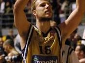 Basket Adecco Gold. Manital Torino contro l'Aquila Trento. 82-67