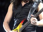 Metallica Kirk Hammett raggiunge Tool palco (video)