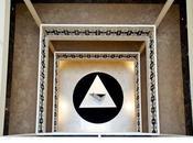 FIRST HOTEL: modus vivendi artistico esprime nuovo lusso