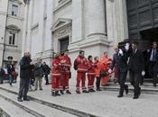 funerale trans organizzato dalla Chiesa Luxuria)