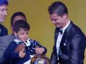 Cristiano Ronaldo vince Pallone d'Oro 2013. sorpresa look Messi