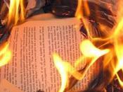 Fahrenheit Italia: rogo libri all'abisso attimo