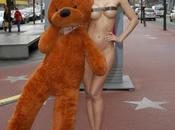 Festival Berlino 2014 nudo pazzesco modella Michaela Schaefer