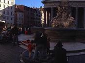 Tutto intorno Pantheon ieri. Neppure Algeri puoi fotografare scene simili