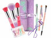 """""""BLOOM TOOLS!"""" marzo nuova favolosa collezione accessori bellezza firmata ESSENCE."""