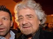 Grillo, martedì sarò Sanremo fuori dentro l'Ariston (Ansa)