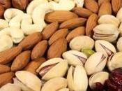 alla frutta secca gravidanza: meno allergie nella prima infanzia