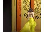 Versace, accordo Blackstone: della Maison passa agli