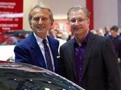 CarPlay azione alla presentazione dell'ultimo modello Ferrari Video