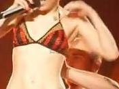 Miley Cyrus lingerie palco Milwauke