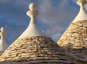 Alberobello: resta l'ultimo uomo ripara trulli