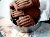 Biscotti frollini senza burro cacao ouzo. Righe linea.