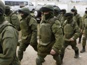Tensione Ucraina: 100mila soldati russi confine, mentre stanzia aiuti Kiev