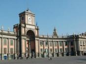 Luoghi Napoli: profumi leggende Piazza Dante