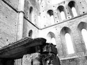 Cavalieri attenzione: spada nella roccia aspetta Toscana!