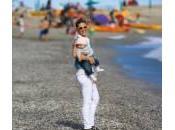 Michelle Hunziker spiaggia Sole barboncino Lilly (foto)