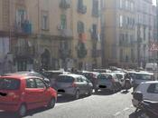 Napoli l'ingorgo giorno blocco traffico auto