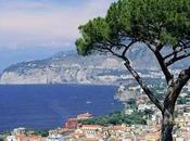 """L'Express: """"Com'è bella dolce vita Napoli"""". Dieci cose fare assolutamente"""