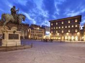 """Palazzo Leone Firenze sempre icona """"quinta"""" della Piazza Signoria."""