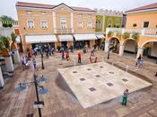 "Palmanova Outlet Village: ""Shopping sotto stelle"""