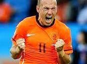 Mondiali calcio: robben esagerato. salva l'olanda autoaccusa presunta simulazione