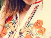 Outfit: jeans camicia bianca stampa floreale arancio