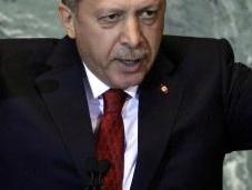 Turchia: donne sfidano proibizione vicepremier mostrano sorridenti twitter