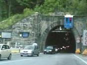Perchè sulla Salerno-Reggio sono semafori prima tunnel?