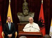 Oggi abbiamo toccato martiri. Papa Francesco Albania