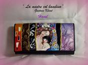 Portafogli dipinti mano; hand-painted wallets.