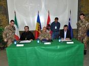 """Kosovo/ Base italiana """"Villaggio Italia"""". Monastero Visoki Decani municipalità firmano accordo cittadini"""