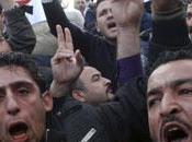Proteste degli uomini delle forze polizia Algeri