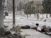 Siria: Aleppo giovani escono casa sfidano paura ballando pomeriggio, contro guerra