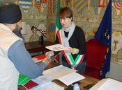 crisi lavoro contro permessi soggiorno cittadinanza italiana agli immigrati