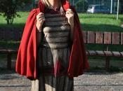Outfit: abito stampato cappotto rosso