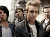 """PAPA ROACH Nuovo video """"Face Everything Rise"""""""