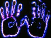 """""""Aura: l'Enigma dell'Energia Fotonica Circonda Cose Persone"""""""