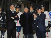 MILANO. presidente Maroni l'assessore Rossi inaugurano pista pattinaggio nella piazza della Regione
