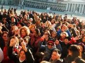 Tutta Napoli saluta Pino Daniele, domani sera Piazza Plebiscito