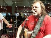 Unicoop porta musica cultura banchi supermercato