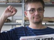 foto simbolo Charbonnier, direttore Charlie Hebdo mantra).