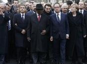 """l'attentato islamista Parigi. suis Charlie"""" """"Nous sommes Charlie"""". manifestazione prime pagine gennaio 2015"""