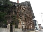 Istanbul, Europa: L'ambasciata italiana (estiva) Istanbul