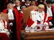 Renzi (come Berlusconi) contro magistrati