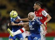 Monaco-Lione 0-0: vincere sono difese