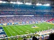 Super Bowl, vittoria Patriots illuminata
