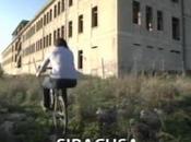 Siracusa: Brumotti Striscia notizia palazzo della Croce rossa Pizzuta