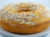 Ciambellone agli agrumi yogurt mandorle Citrus fruits ring-shaped cake with almonds