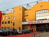 stadio costruito tifosi, cori contro Stasi l'inno Nina Hagen. Union Berlin: cuore pulsante Berlino