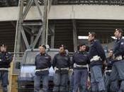 Napoli-Trabzonspor. Scontri assalti tifosi polizia: arresti denunce